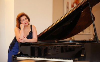 Exclusiva com a pianista Talitha Peres