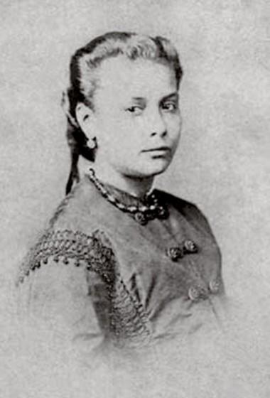 1863 - Chiquinha Gonzaga, 16 anos. Fonte: Chiquinha Gonzaga, uma história de vida, por Edinha Diniz, Editora Zahar, 2009.