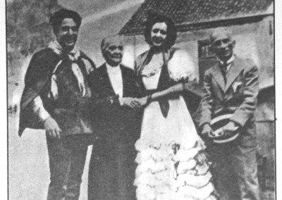 Chiquinha Gonzaga no ensaio Geral da peça JURITI, ao lado de Vicente Celestino e a atriz Gilda Abreu e Viriato Correia, em 23/11/1933